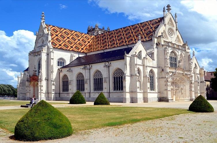 Vtc lyon visite a la journee monastere de brou